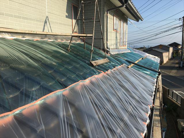 1階の屋根、ビニール養生