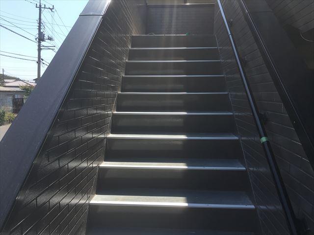 階段踏み板塗装前
