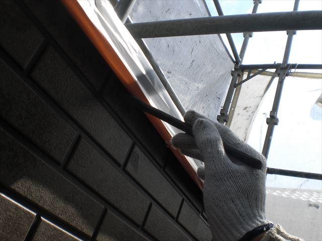サイディング外壁上塗り作業1回目