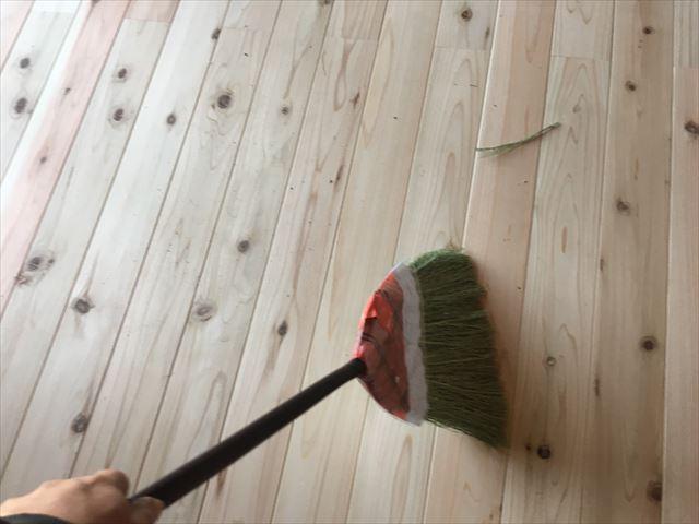 筑西桜川市の新築住宅のお客様のところで内部の床塗装をおこなわせて頂きました