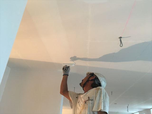 ケイカル板天井塗装