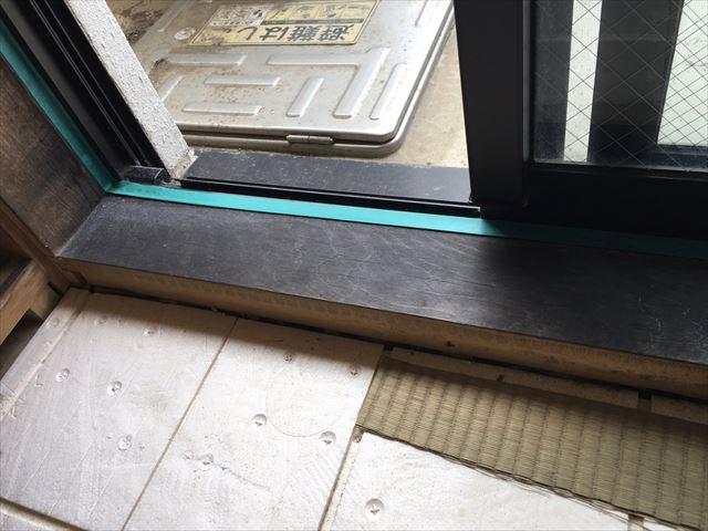 日立市のマンション内部の部分塗装作業と床のワックス塗り作業をおこないました