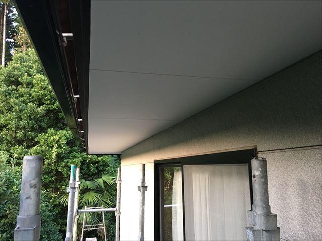 軒天仕上げ塗り完了