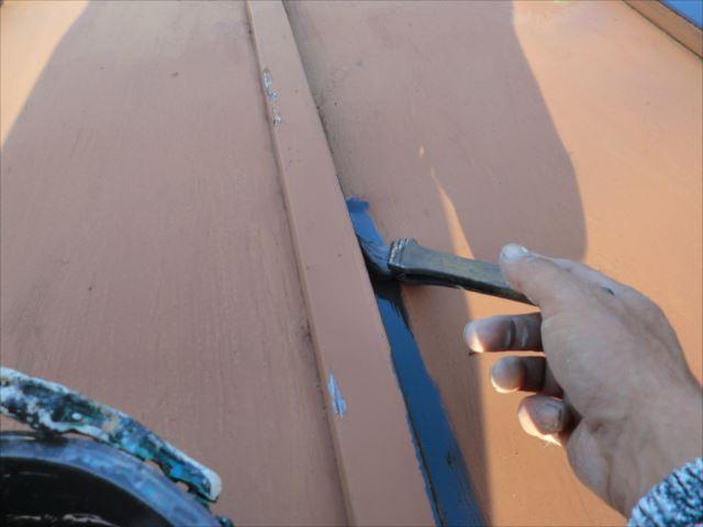 物置屋根刷毛塗り、ロイヤルトップスター