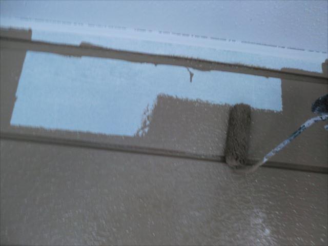 サイディング外壁着色上塗り1回目、クリーンマイルドシリコン