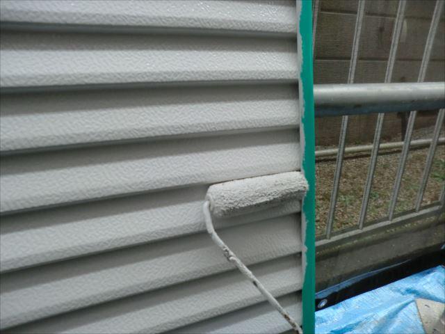 雨戸塗装ローラー塗り、コスモマイルドシリコン2