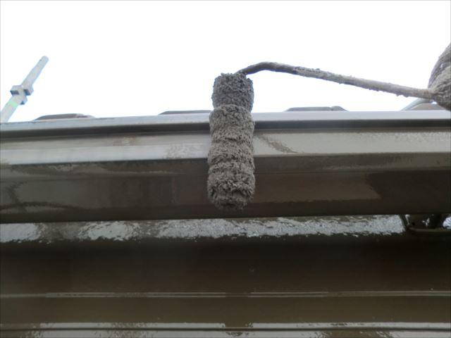 雨樋ローラー塗り、コスモマイルドシリコン2