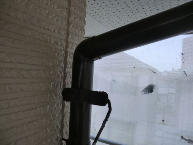 竪樋塗装、コスモマイルドシリコン2
