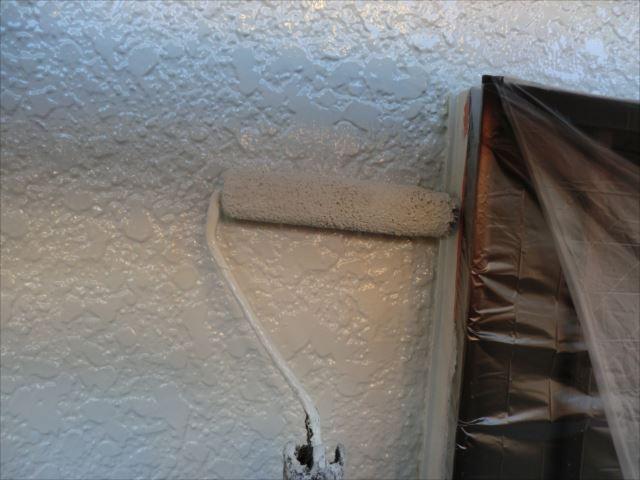 外壁1回目塗装、クリーンマイルドシリコン