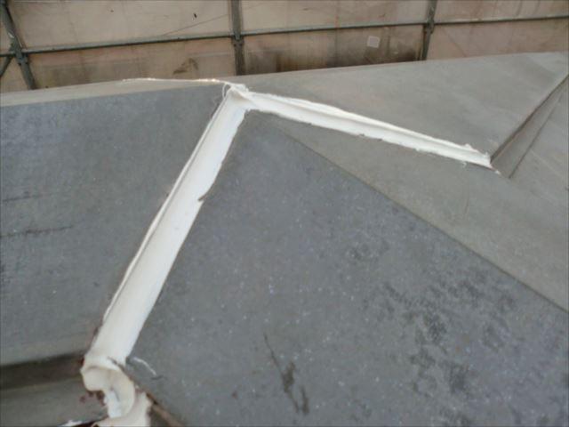 屋根板金シーリング