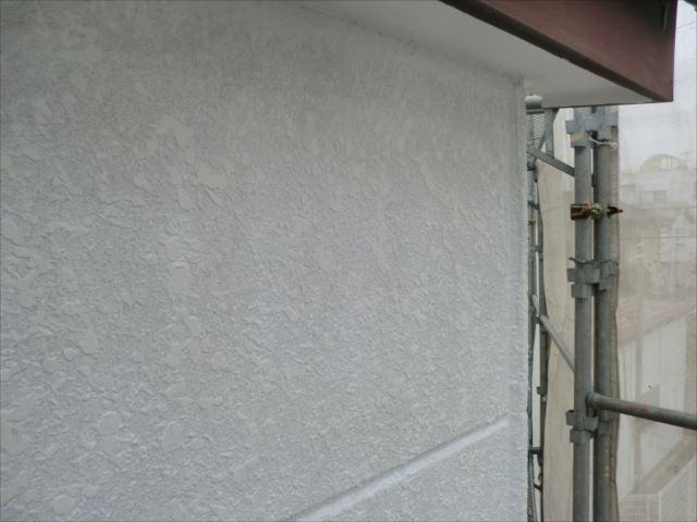 外壁下塗り塗装後、ソフトサーフSG