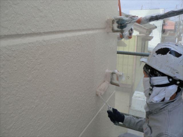 外壁着色上塗り2回目仕上げ塗装、セラミクリーン