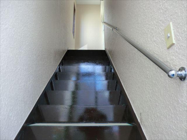 階段塗装後、コスモマイルドシリコン2