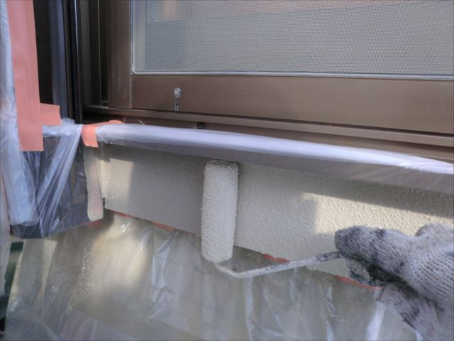 外壁着色2回目仕上げ塗装、プレミアムシリコン