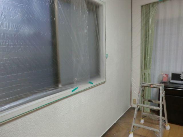 内壁着色上塗り1回目、エコファイン