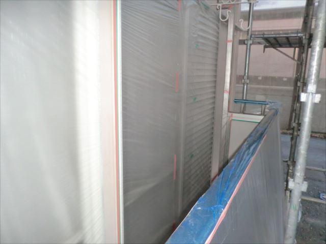 ベランダ袖壁と掃き出し窓のビニール養生