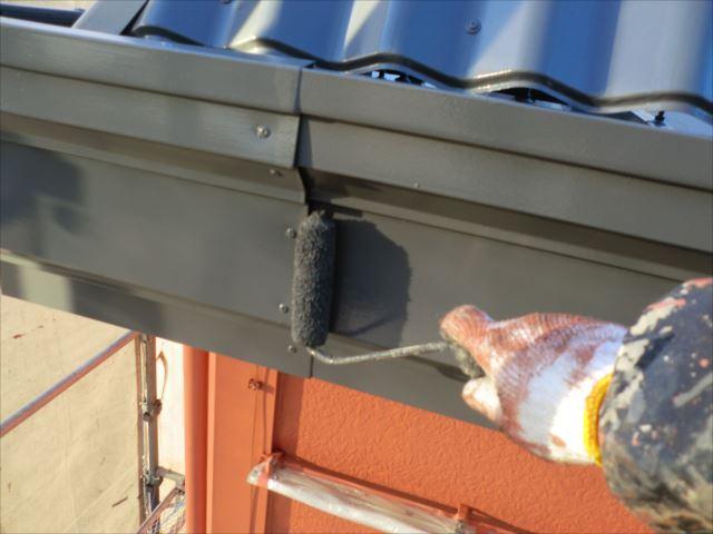 破風板着色2回目仕上げ塗装、ヤネフレッシュSI