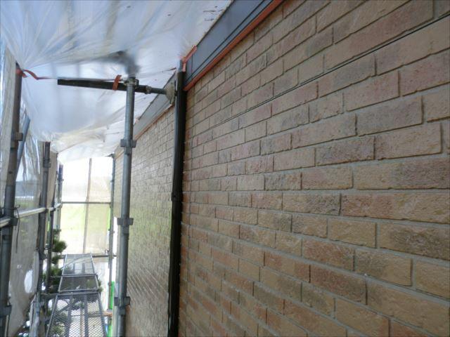 外壁下塗り後、ダイヤSPRクリヤープライマー