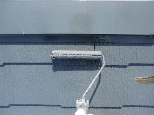 屋根着色2回目仕上げ塗装、ダイヤスーパーセランマイルドIR