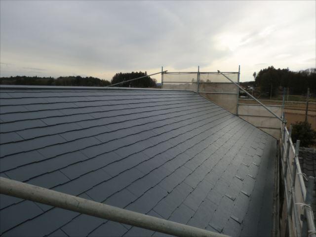 屋根板金コーキング塗装完了、ダイヤスーパーセランマイルドIR
