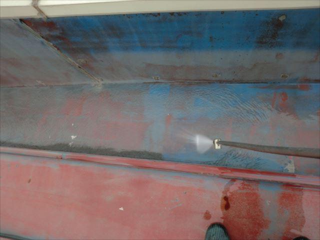 瓦棒屋根、高圧洗浄