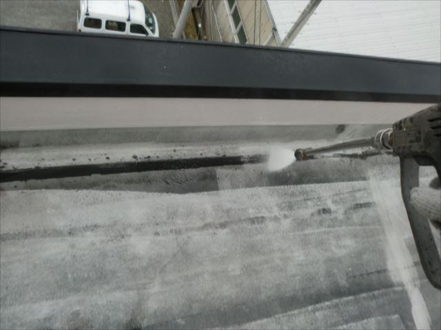 屋上シート防水、高圧洗浄
