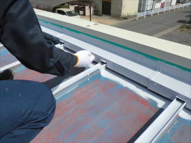 瓦棒屋根錆止め下塗り、エポサビα