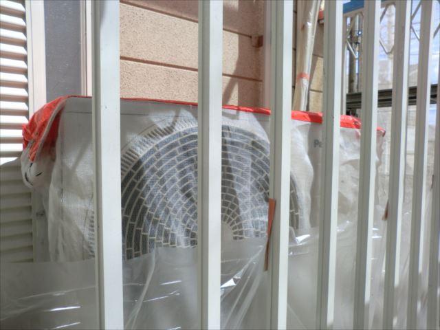 エアコン室外機の養生、専用のカバー