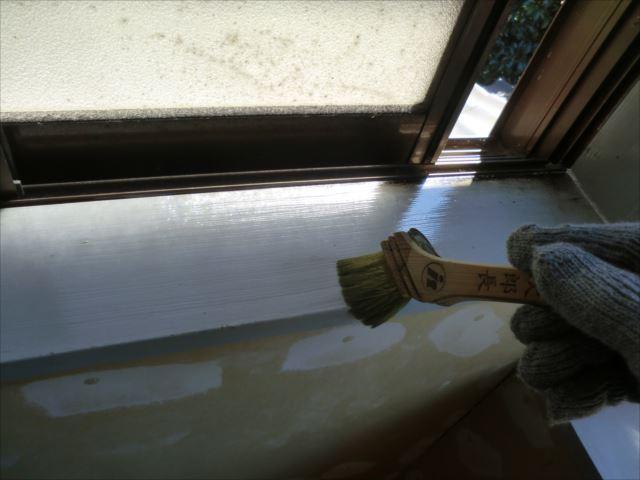 下塗り作業、セラックニス