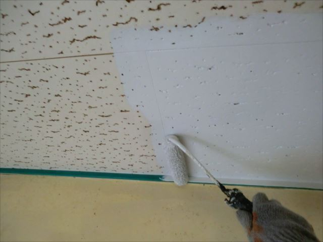 天井塗装、アレスセラマイルド