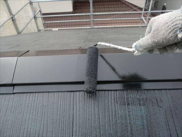 屋根着色2回目仕上げ塗装、クールタイトSI