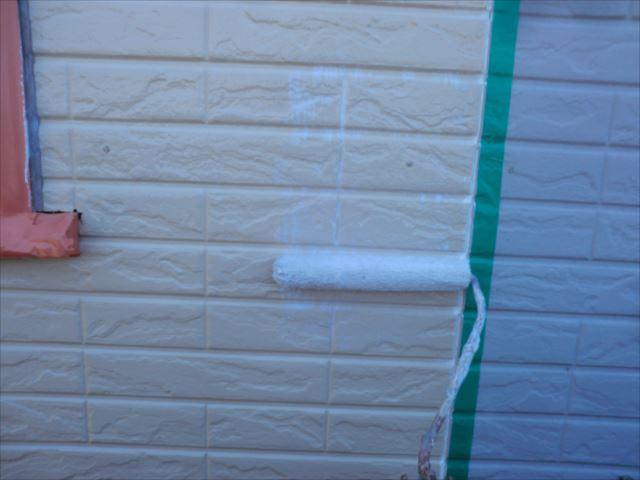 外壁下塗り、水性ミラクシーラーエコクリヤー