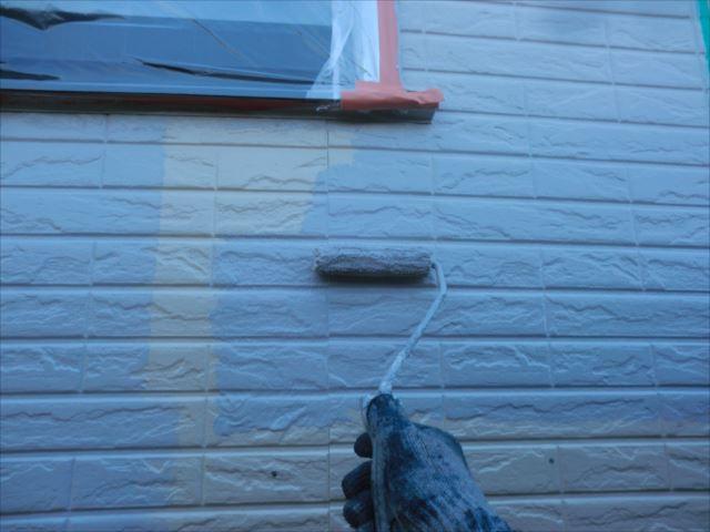 外壁着色1回目、水性Мコートシリコン