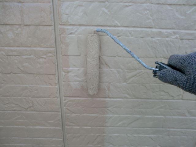 外壁着色1回目、水性セラミシリコン