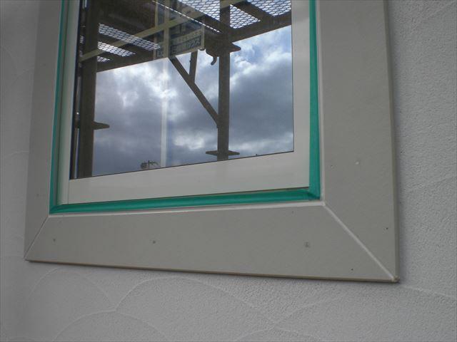 窓枠塗装前