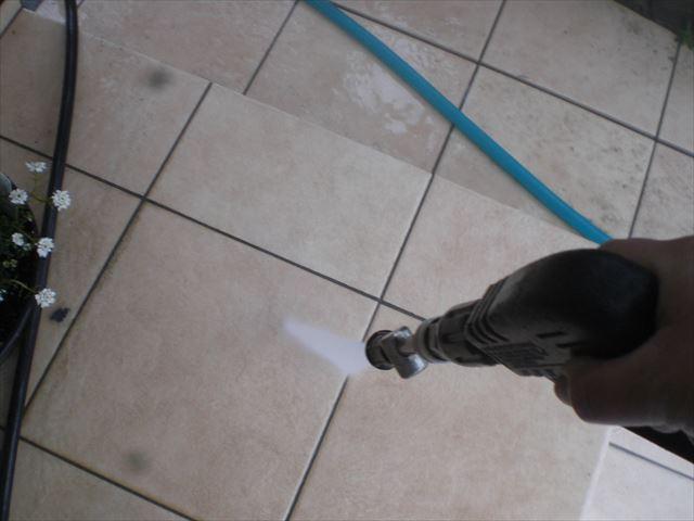 玄関タイル洗浄