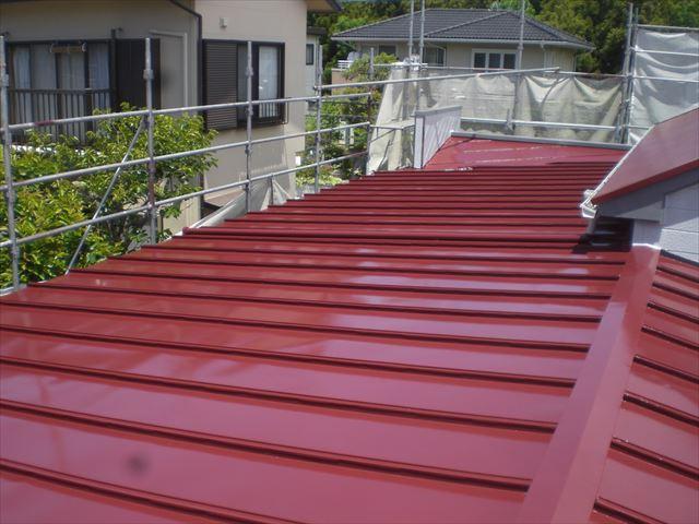 瓦棒屋根仕上げ塗り完了