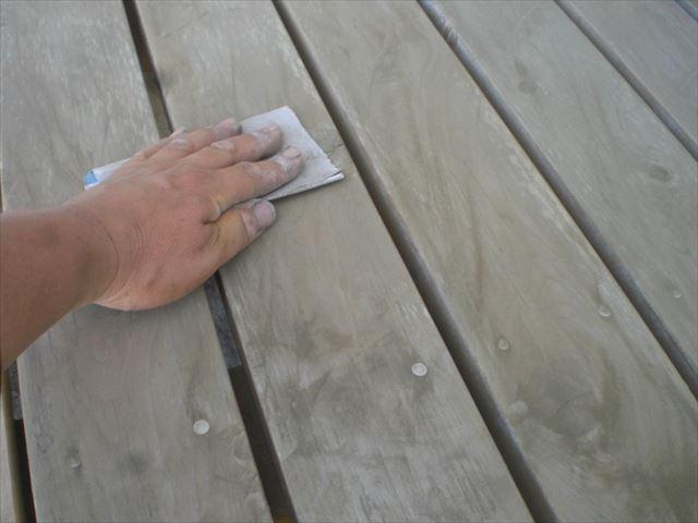 濡れ縁塗装前ケレン