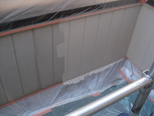O邸ベランダ内側壁上塗り中