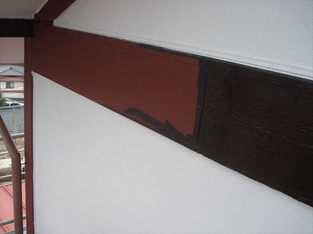 S邸幕板上塗り中