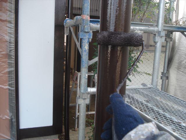 S邸玄関柱上塗り2回目