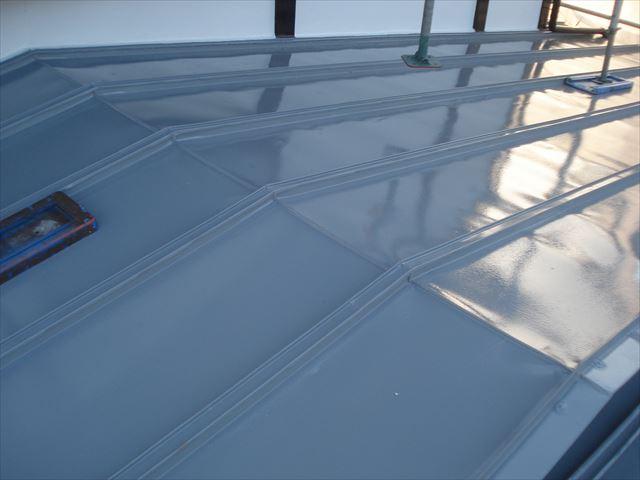 S邸屋根上塗り2回目