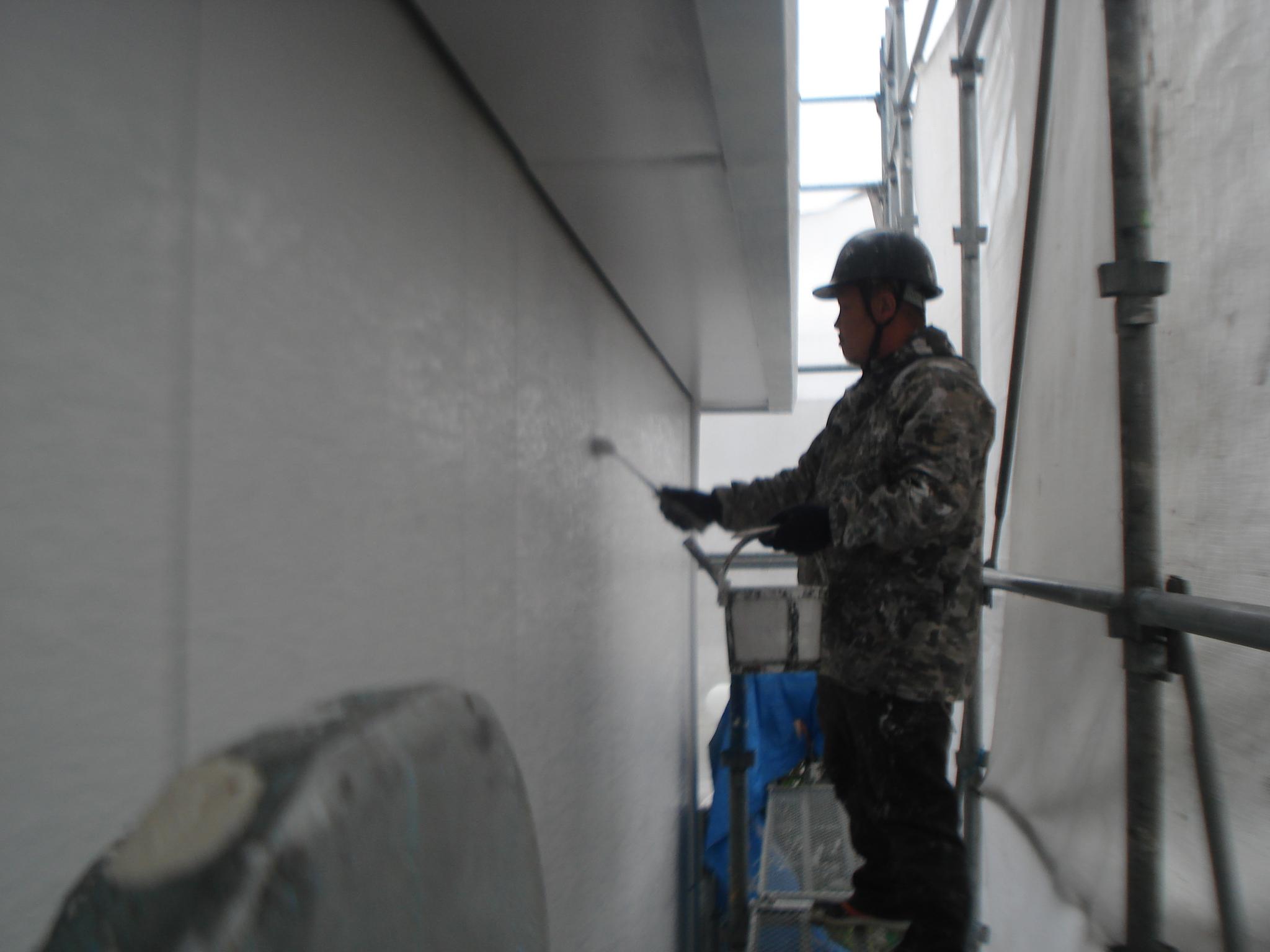 S邸1階壁仕上げ塗り