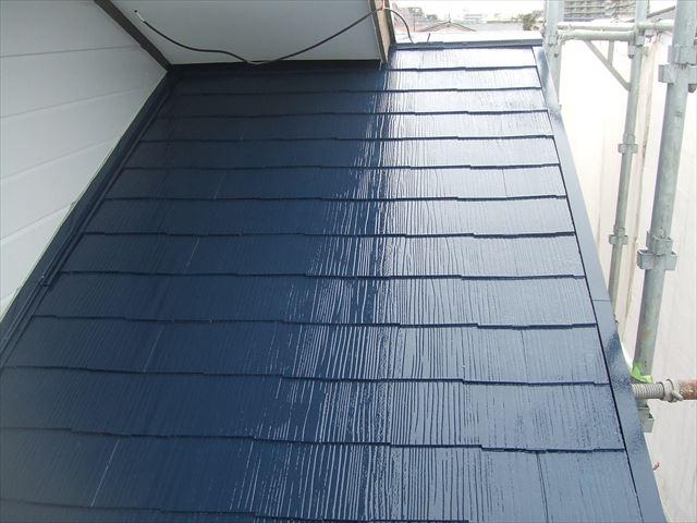 屋根1回目塗装後