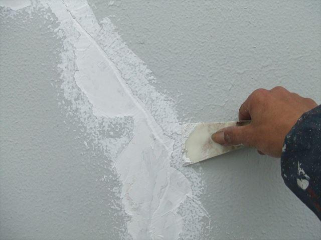 外壁のクラック補修