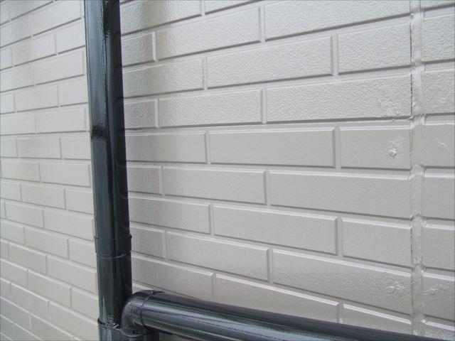 竪樋塗装後ファインSIブラック