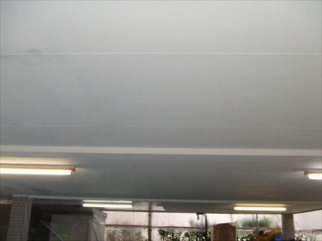 駐車場天井塗装後セラマイルド