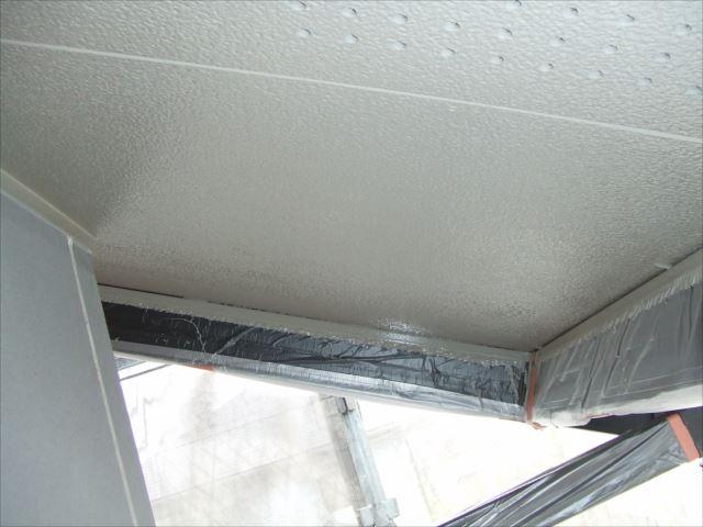 軒天塗装後、アレスセラマイルド