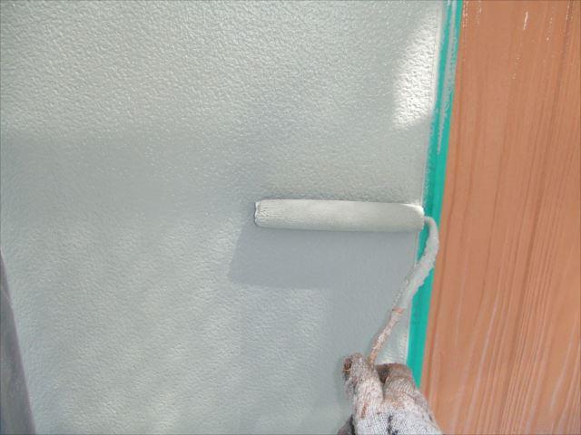 柱型外壁上塗り1回目プレミアムシリコン
