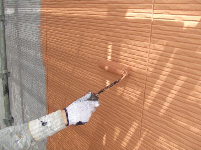 外壁上塗り1回目プレミアムシリコン
